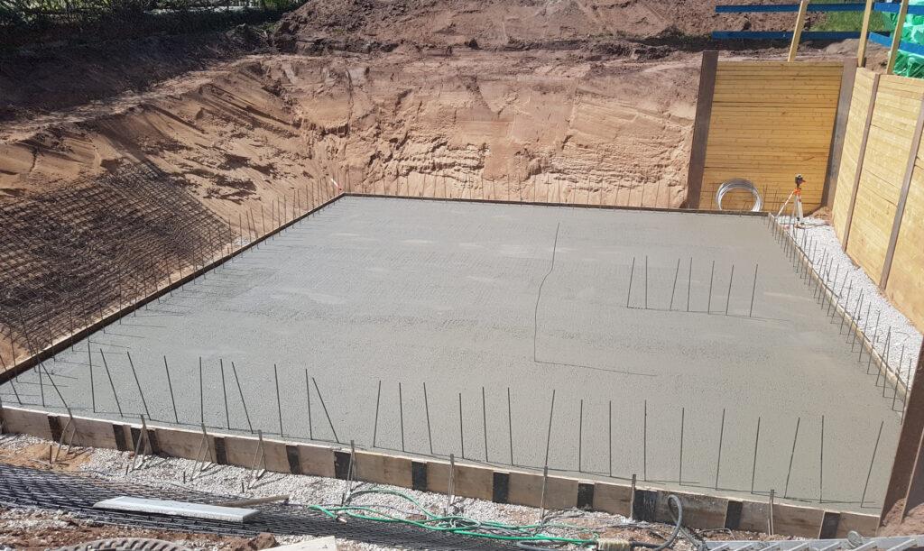 Fertig betonierte Bodenplatte