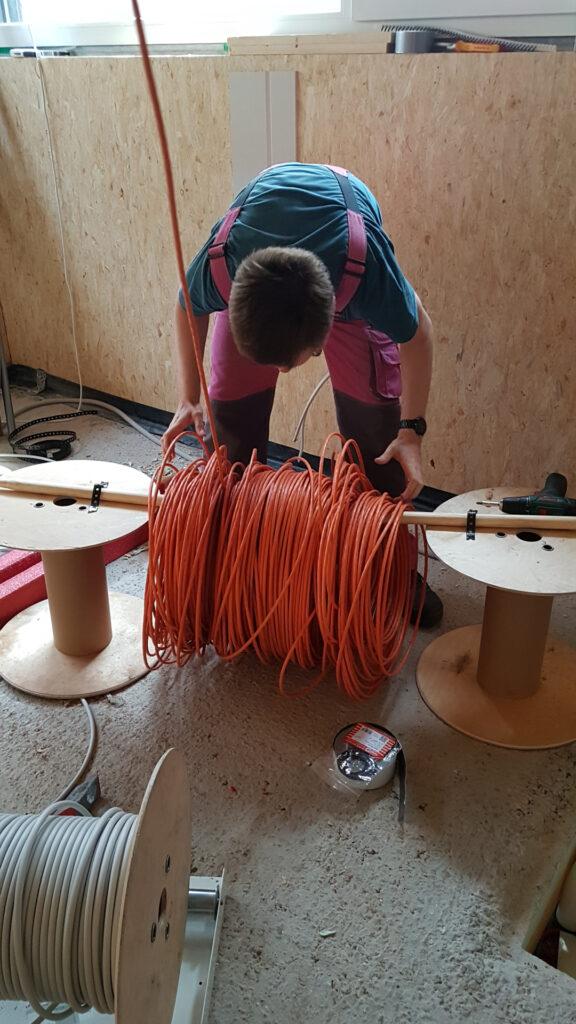 Kabel Abrollvorrichtung
