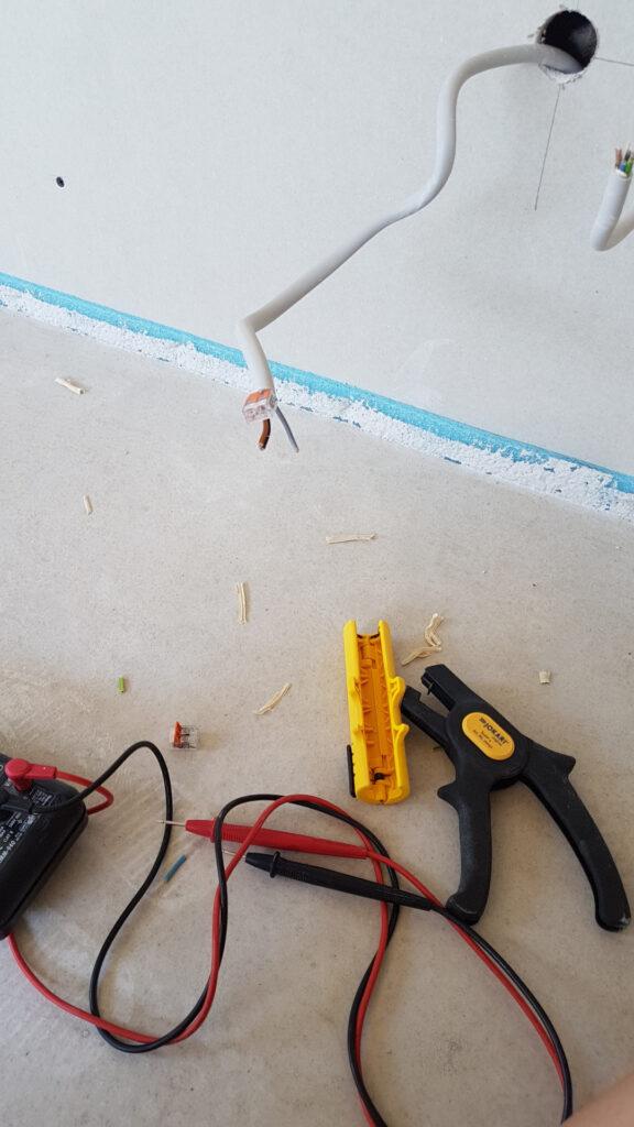 Werkzeug zum Leitungen suchen
